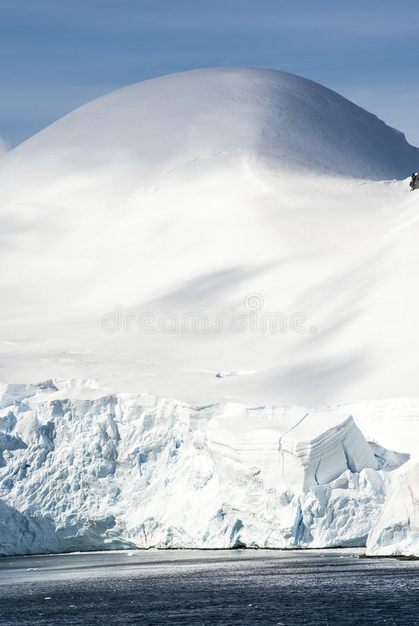 Download Hills Covered With Snow In Antarctica Stock Image - Image: 39689997