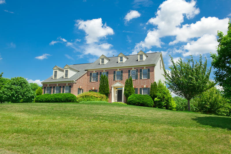 Download Hillside Single Family House Georgian Colonial Stock Images - Image: 18451744