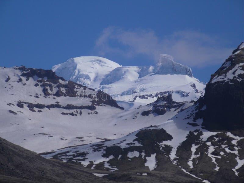 hilltop Rocky Mountains Cover With Snow e hielo foto de archivo libre de regalías