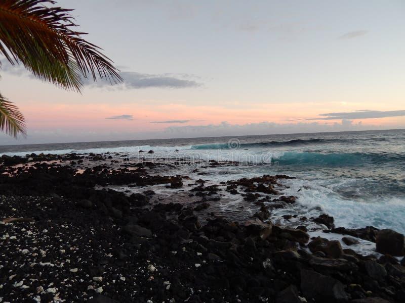 Hilo Hawaii på solnedgången royaltyfri bild