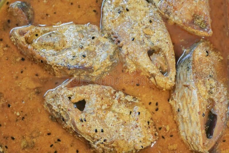 Hilsa vissenstukken op een plaat royalty-vrije stock afbeelding