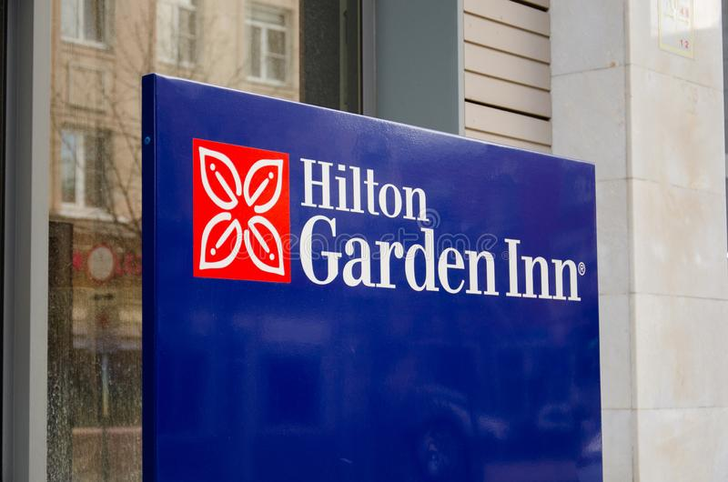 Hilton Garden Inn undertecknar in Ryssland, Krasnodar royaltyfria bilder