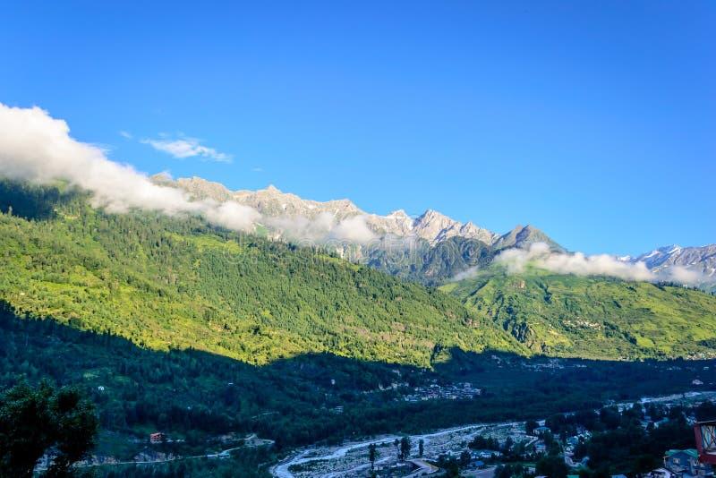 Himalajskie góry w ranku zdjęcie stock