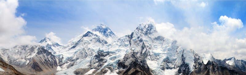 Himalaya, el monte Everest con el cielo hermoso imagen de archivo libre de regalías