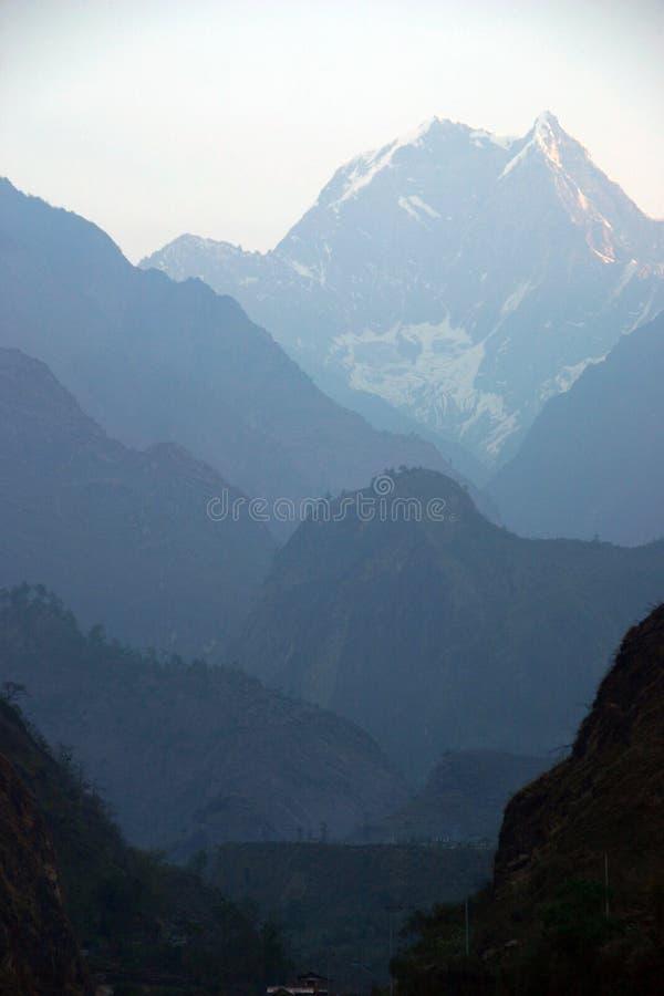 himalaya nepal som trekking royaltyfria bilder