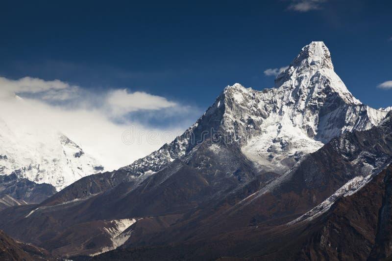 Himalayagebergte, Nepal Mening over Ama Dablan stock afbeeldingen