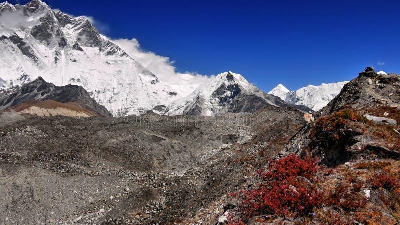 Himalayagebergte Nepal, Mooie Himalayan-Bergen royalty-vrije stock foto's