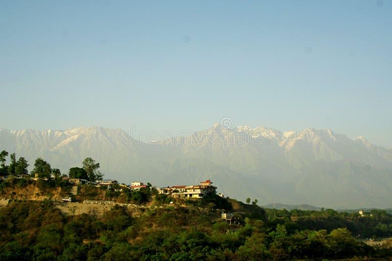 himalayan india berg maximal snow royaltyfri foto