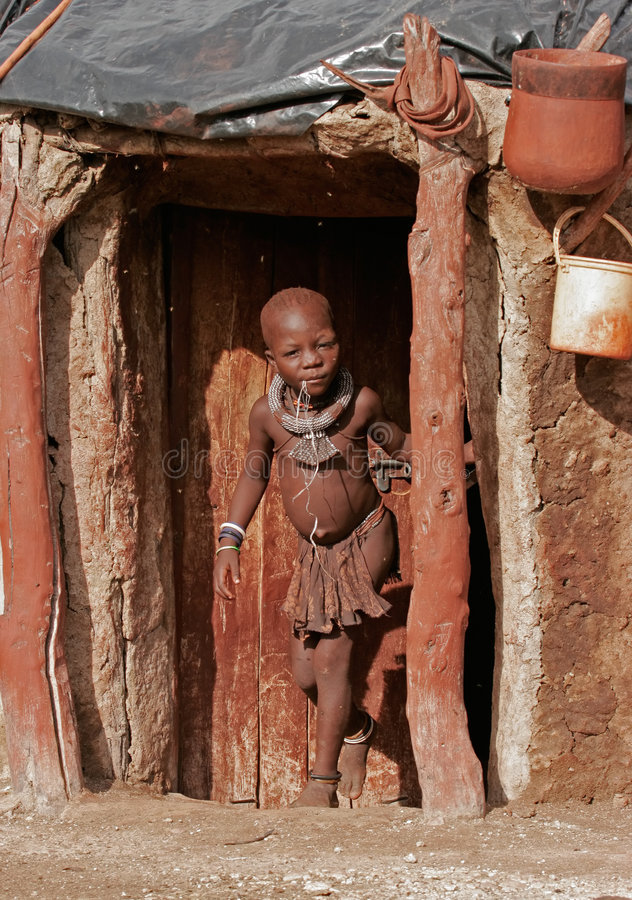 himba Ναμίμπια αγοριών στοκ φωτογραφίες
