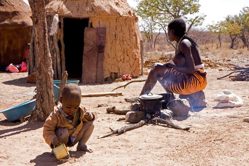 Himba obóz obraz stock