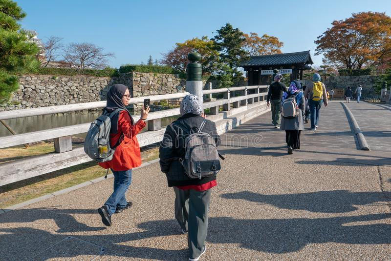HIMEJI, HYOGO-PRÄFEKTUR 10. NOVEMBER 2018: Nicht identifiziertes moslemisches stockbild
