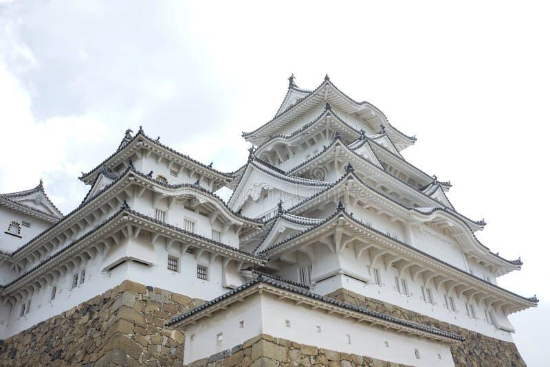 Himeji-Schloss Uprisen-Winkel lizenzfreies stockfoto