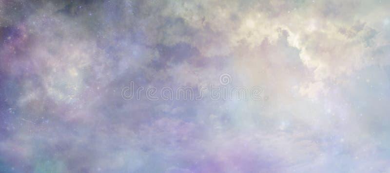 Himlar ovanför begreppsbakgrundsbaner royaltyfria bilder