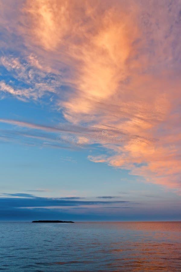 Himlen över det Kara havet arkivbilder