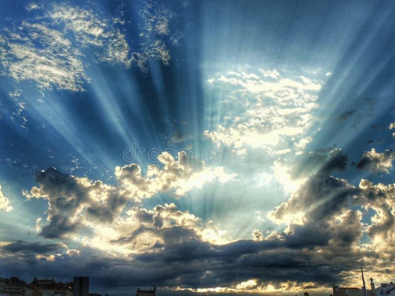 Himlen över Madrid arkivfoto