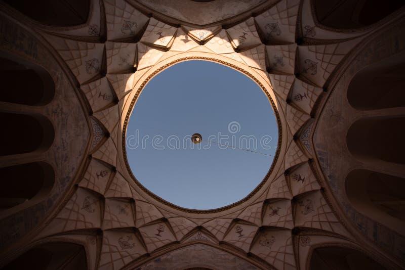 Himlen från ett iranskt hus royaltyfria foton