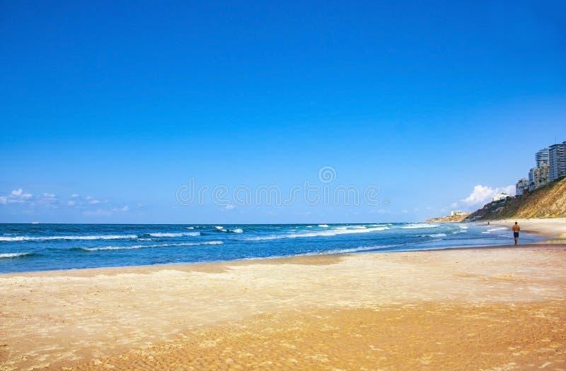 Himlen havet och sanden royaltyfri fotografi