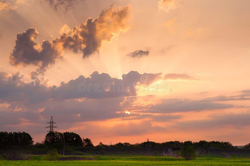 Himlen under soluppgång arkivfoton