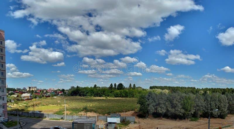 Himmel auf Stadt stockfotos