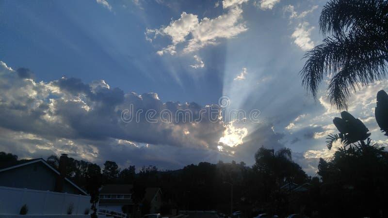 himmel för den bra morgonen bombarderar royaltyfria foton
