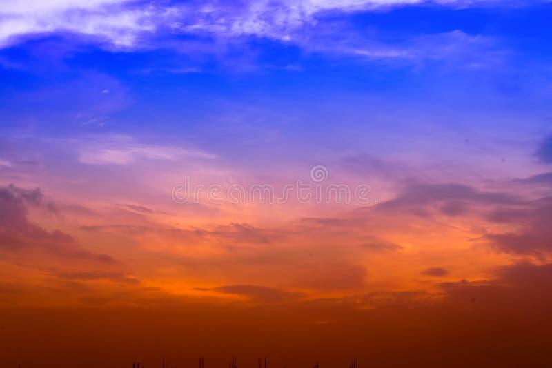 Himmel för solnedgång fotografering för bildbyråer