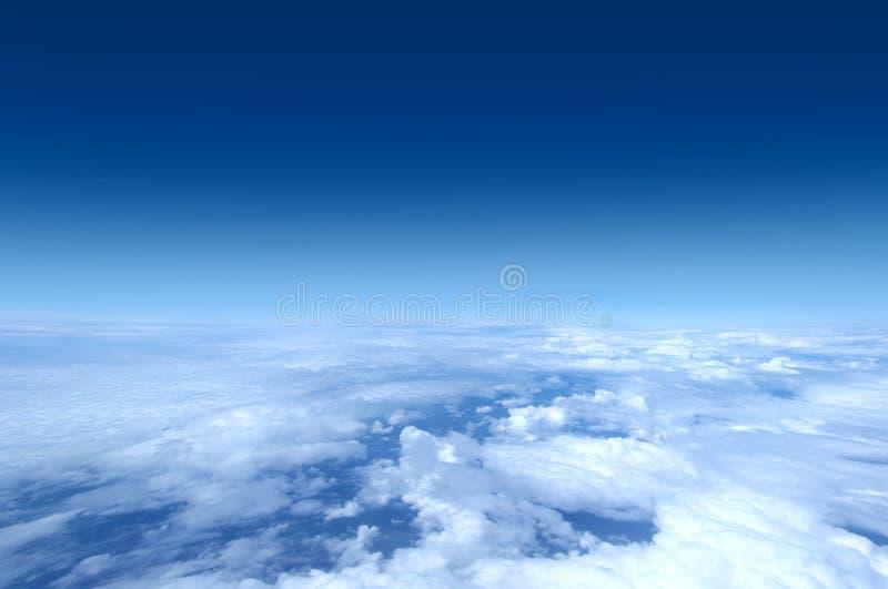 Himmel - geschossen vom Flugzeug lizenzfreies stockfoto