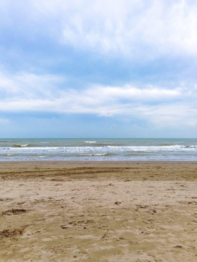 Himmel, hav och sand, Italien, Riccione arkivfoton