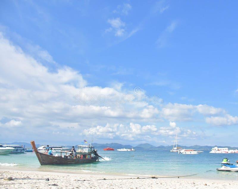 Himmel och hav i sommar royaltyfri bild