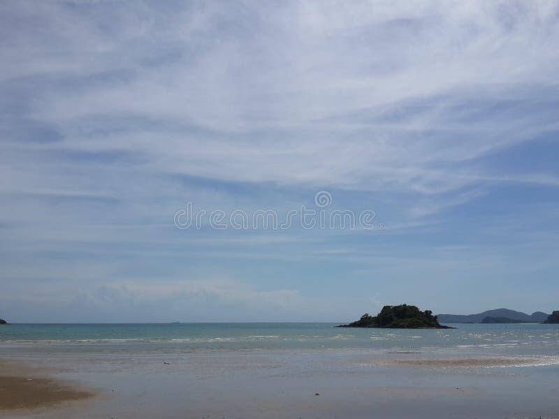 Himmel och strand royaltyfri foto
