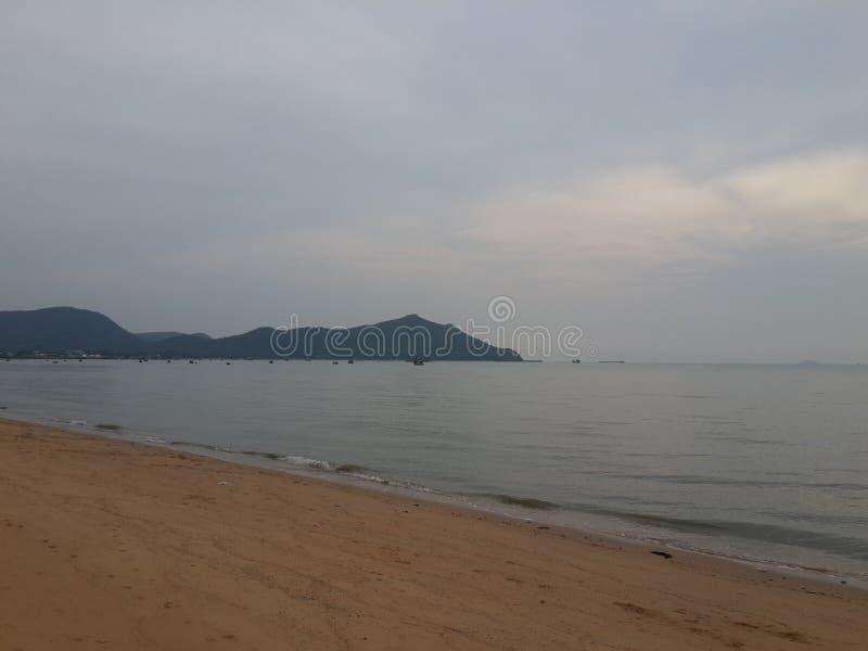 Himmel och strand arkivfoton