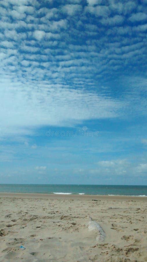 Himmel och strand royaltyfria foton