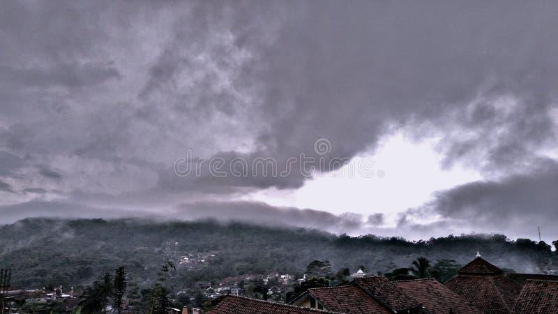 Himmel på byn royaltyfri fotografi
