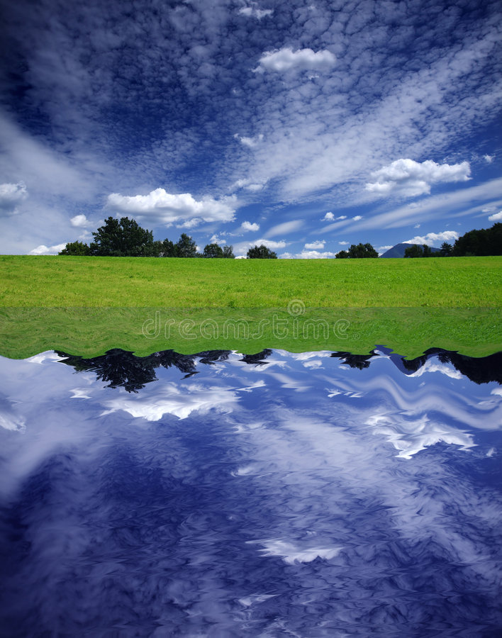 Himmel-Reflexion lizenzfreies stockfoto