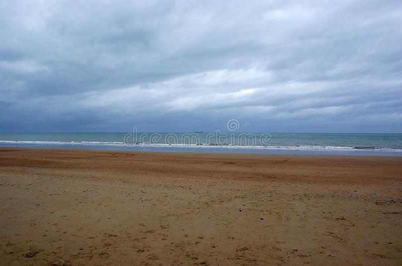 Himmel-Sandwüste-Ozean lizenzfreies stockfoto
