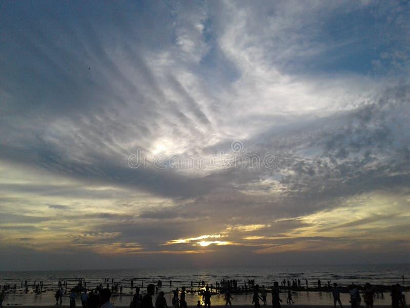 Himmel-Schönheit zur Abendzeit stockbild