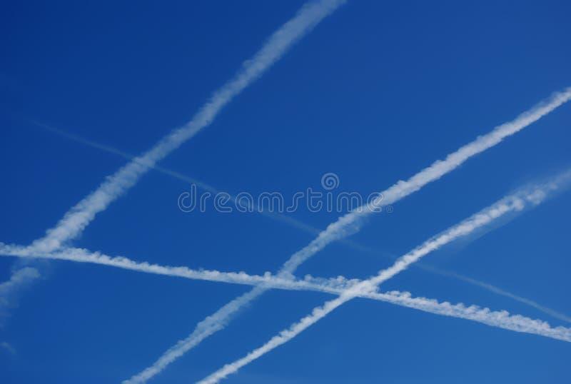 Himmel trifft Verunreinigung stockbild