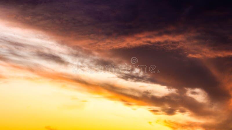 Himmel vom Fenster lizenzfreies stockbild