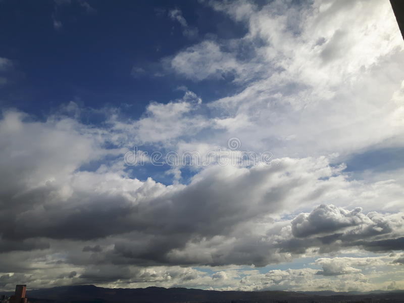Himmel von Bogota lizenzfreie stockbilder