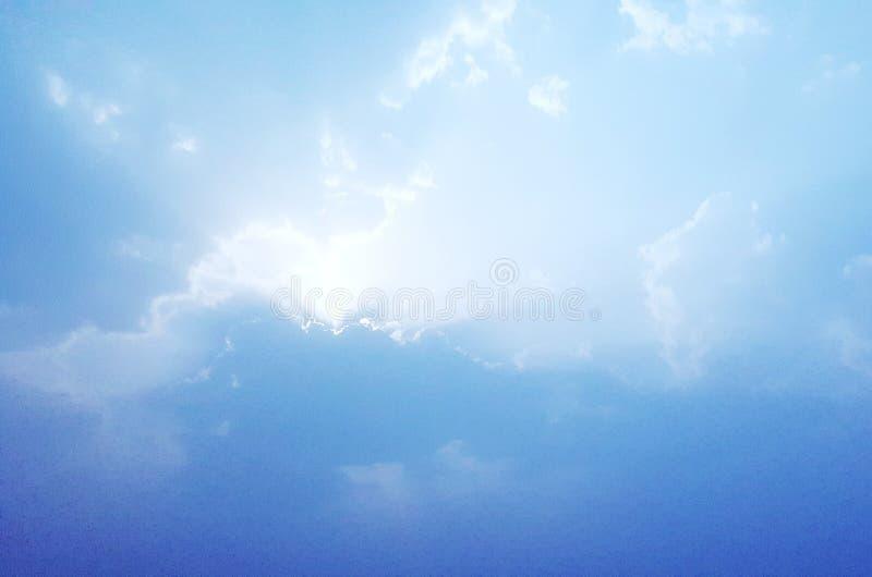 himmelmoln arkivfoto