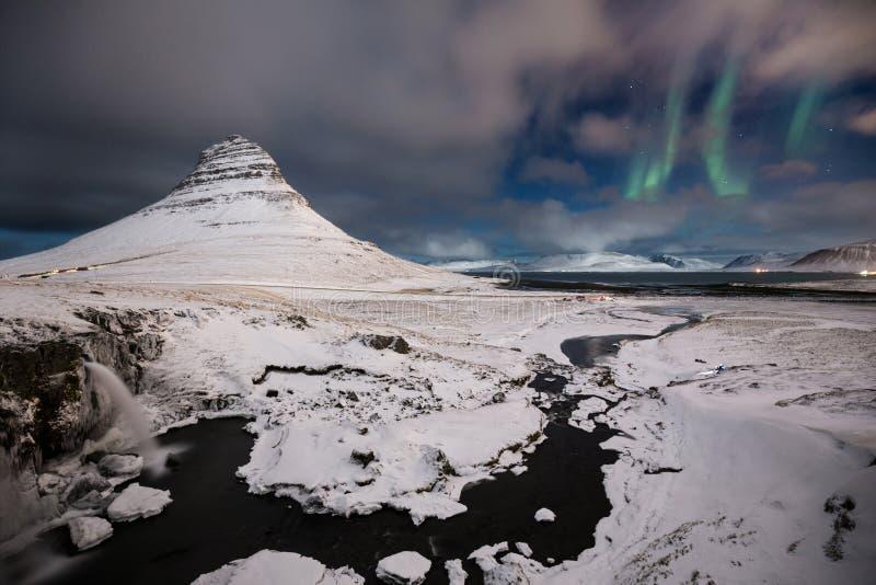Download Himmelportal arkivfoto. Bild av vatten, portal, lampor - 76701570