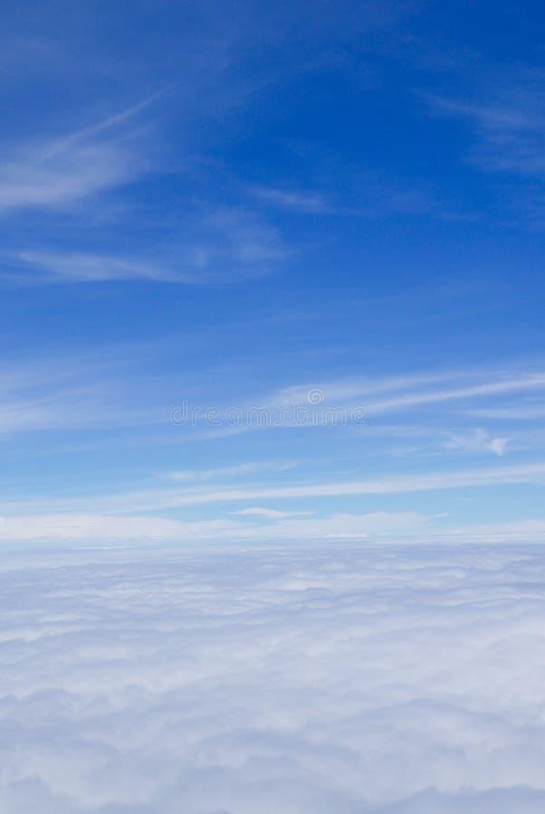Download Himmelwolkenansicht Vom Flugzeugfenster Stockfoto - Bild von flugzeug, transport: 96935456
