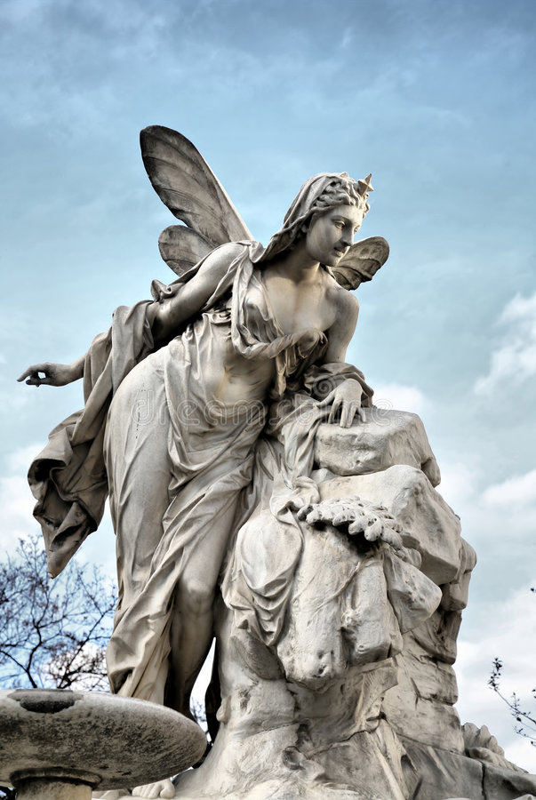 Himmlische Engels-Skulptur lizenzfreie stockfotos