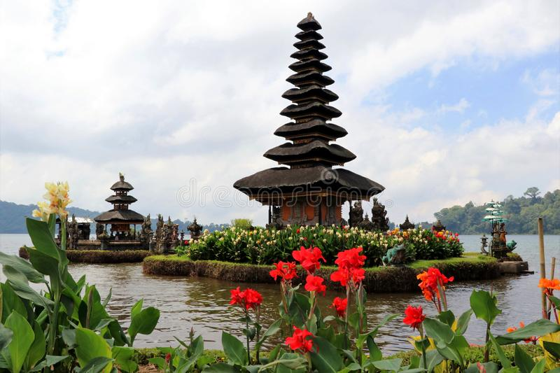 Hindú bratan del danu del ulun de Pura - Bali Indonesien fotos de archivo libres de regalías