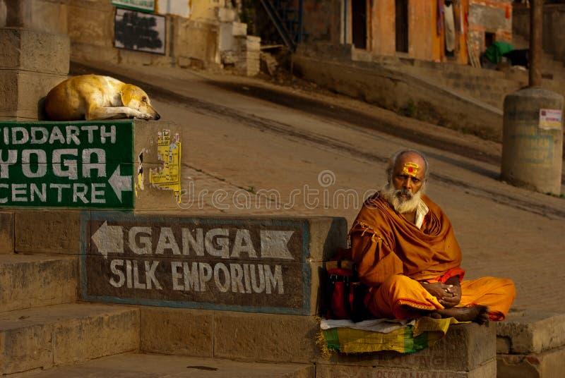 Hindischer Mönch in Varanasi stockfoto