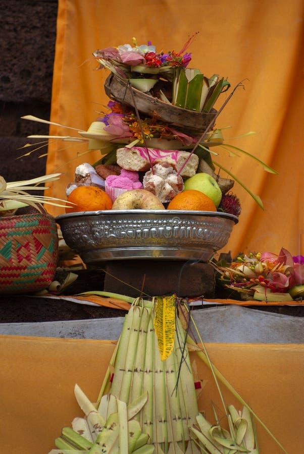 Hindoes Dienstenaanbod bij een Tempel in Bali, Indonesië royalty-vrije stock afbeeldingen