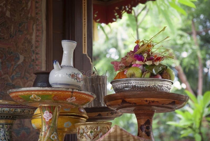 Hindoes Dienstenaanbod bij een Tempel in Bali, Indonesië stock afbeelding