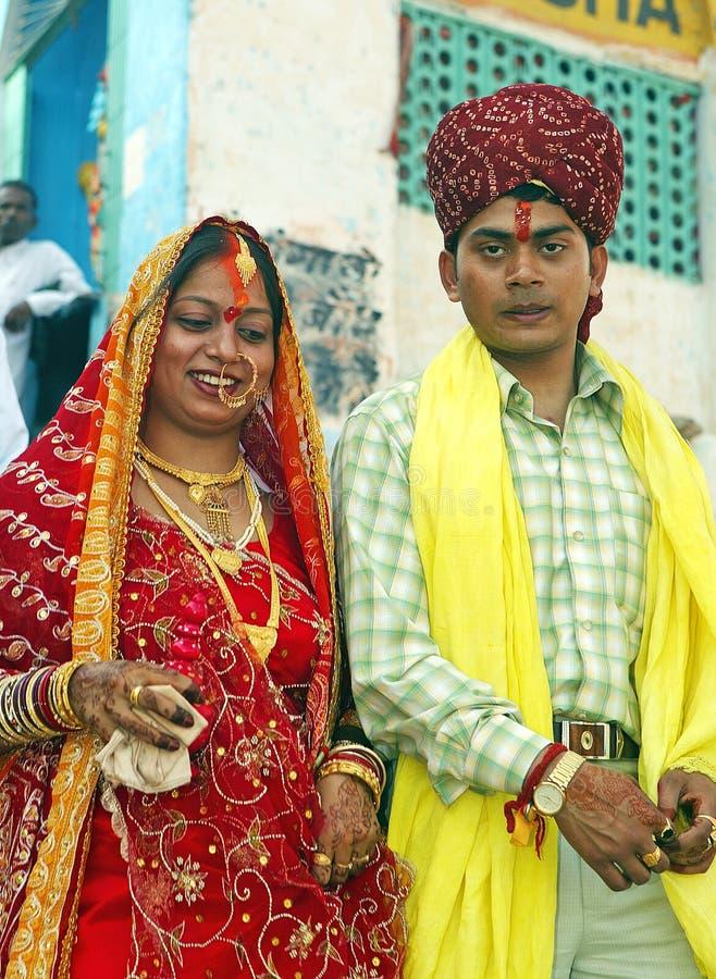 Hindoese bruid en echtgenoot royalty-vrije stock foto's