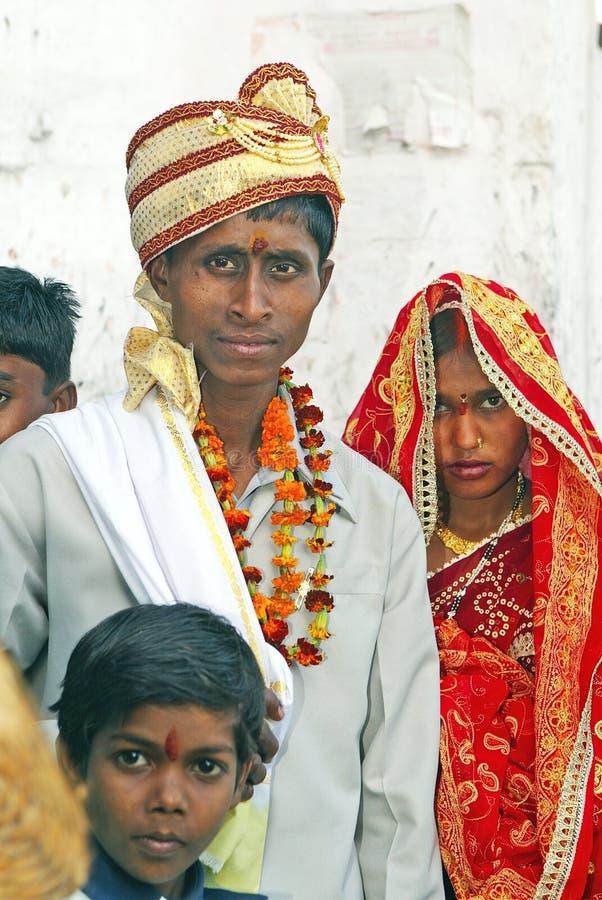 Hindoese bruid met echtgenoot stock foto