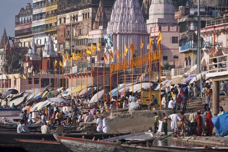 Hindoese Ghats op de Rivier Ganges - Varanasi - India royalty-vrije stock fotografie