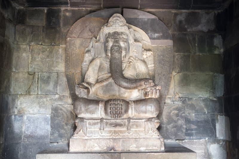 Hinduisk gud Ganesha i den Prambanan templet Indonesien arkivbilder